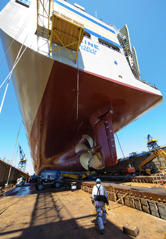 NASSCO staff prepare for Lurline launch.