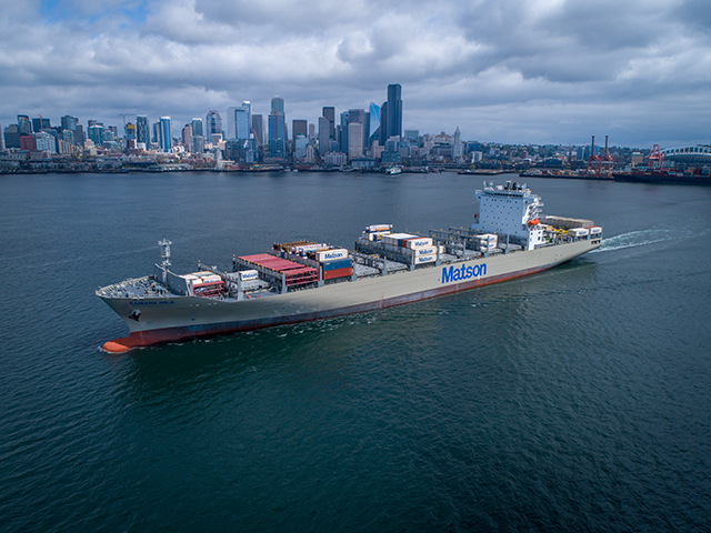Kaimana Hila loaded with containers in Seattle
