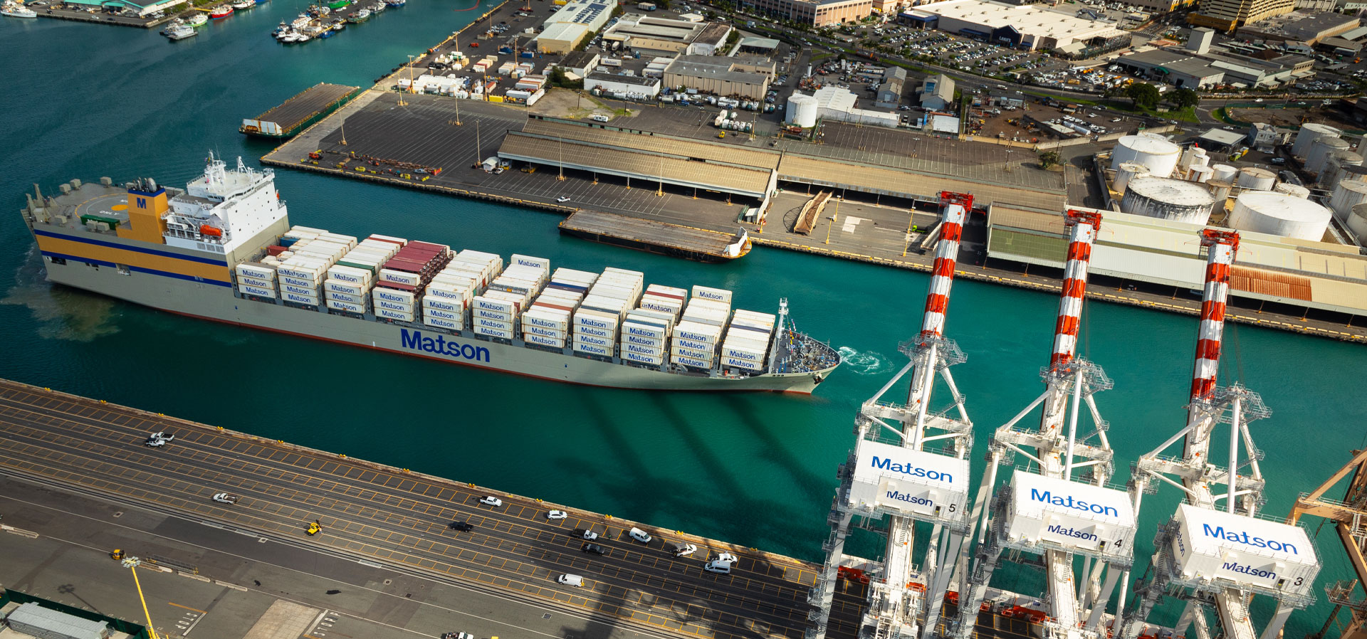 Lurline arrives Honolulu harbor loaded with containers